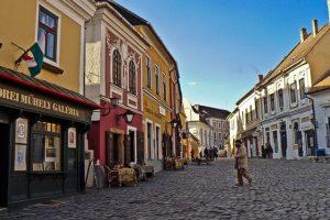 Lezárják Szentendre belvárosát a kíváncsiskodók elől